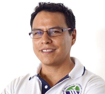 Mtro. Iván Vera Romero